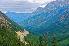 华盛顿通行证,北部小瀑布 库存图片