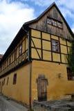 华美的半木料半灰泥的议院在德国 库存照片