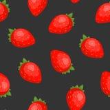 华美的无缝的样式用在黑背景的水多的草莓 背景用新鲜的夏天庭院莓果,鲜美 库存照片