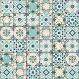 华美的无缝的样式白色老绿色摩洛哥,葡萄牙瓦片, Azulejo,装饰品 能为墙纸使用 库存图片