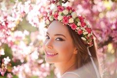 华美的春天构成妇女 免版税库存照片