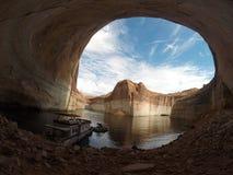 华美的湖鲍威尔红色岩石风景 图库摄影