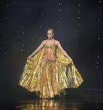 华美的舞蹈服装土耳其腹部舞蹈这奥地利的世界舞蹈 免版税图库摄影