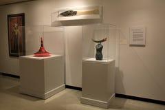 华美的艺术品和雕塑在垫座,纪念美术画廊,罗切斯特,纽约, 2017年 免版税库存照片