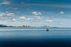 华Hin海滩。 并且小船, 图库摄影
