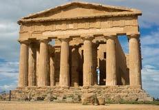 协和飞机-西西里岛的希腊寺庙 免版税库存图片