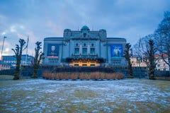 卑尔根,挪威- 2018年4月03日:全国阶段卑尔根 小室Nationale场面英语:国家戏院是最大 库存照片