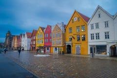 卑尔根,挪威- 2018年4月03日:挪威传统木房子,布吕根,是一个世界遗产,它 免版税库存图片