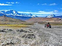 卓奥友峰通行证在西藏 免版税库存图片