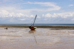 单桅三角帆船 图库摄影