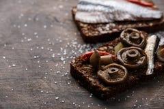 单片三明治或smorrebrod 免版税库存图片