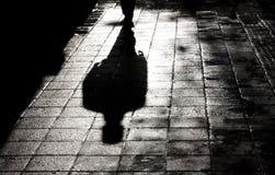 单独一个人暗影剪影的 免版税库存图片