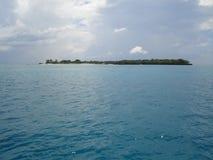 单独印第安小岛海洋 免版税库存照片