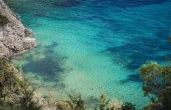 单独游泳在伊维萨岛海岛 免版税图库摄影
