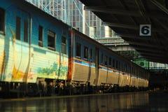单独片刻在火车站 免版税库存照片