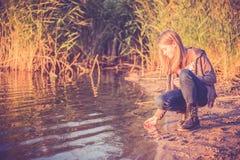 单独青少年的女孩 免版税库存照片
