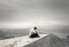 单独绝望商人 孑然和失败概念 免版税库存照片