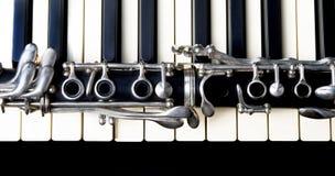 单簧管和键盘 免版税库存图片