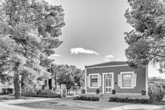 单色街道场面,与历史的房子,在洛克斯顿 库存照片
