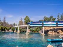 单轨铁路车汽车,迪斯尼乐园加利福尼亚 免版税库存图片