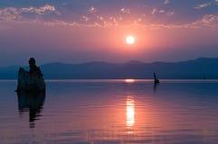 单音的湖 免版税库存照片
