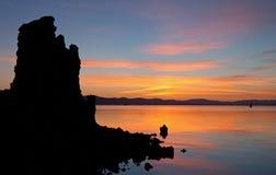 单音黎明的湖 免版税图库摄影