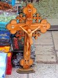 卖在圣墓教堂之外的商店宗教纪念品,耶路撒冷 免版税图库摄影