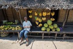 卖在市场上的马达加斯加人的老人果子 图库摄影