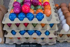 卖在街市上的鸡蛋 免版税库存照片