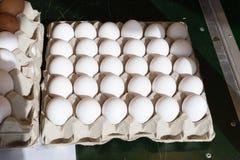 卖在街市上的鸡蛋 库存照片