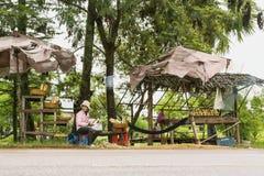 卖柬埔寨食物专业Kralan 免版税库存照片
