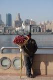 卖糖衣山楂的中国人 库存图片