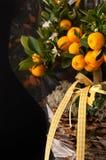 卖花人构成用桔子 免版税库存照片