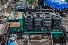 卖轮胎 免版税库存照片