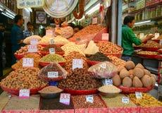 卖香料在市场上在德里,印度 免版税库存图片