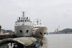 南丰调查船和302个渔场管理船在中国 免版税库存照片
