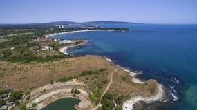 南保加利亚人黑海海岸的看法从上面 免版税图库摄影