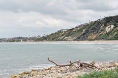 南加州海岸在多云天 库存图片