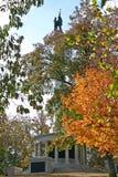 南北战争纪念碑在秋天(垂直) 图库摄影