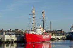 南塔克特灯塔船WLV 612,被转换成豪华宪章船 库存图片