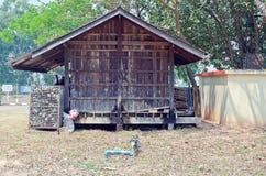 南奔,泰国– 3月14 :存贮wast的老木房子 库存图片