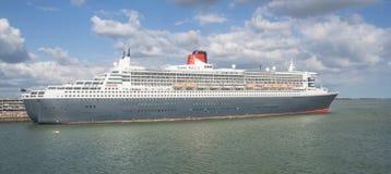 南安普敦- 2014年7月13日:玛丽皇后2游轮细节 que 库存图片