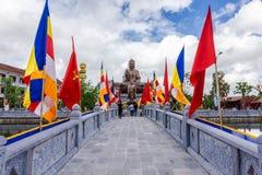南定,越南- 2014年9月2日-对Truc潜逃Thien Truong的入口 免版税库存照片