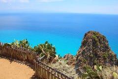 南意大利-海的海岸视图 免版税图库摄影