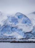 南极冰山墙壁 免版税库存图片