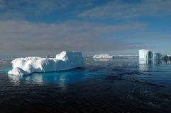 南极冰山风景 免版税库存照片