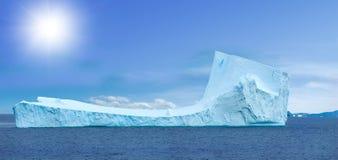 南极冰海岛 免版税库存图片