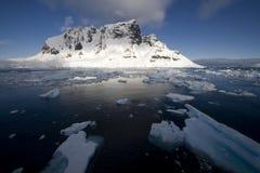 南极洲通道lemaire 免版税图库摄影