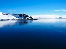 南极洲冰山山风景 免版税库存图片