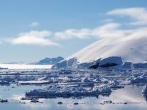 南极洲冰山风景 免版税图库摄影